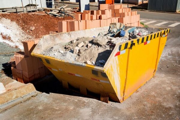 Caixa estacionária usada no gerenciamento de resíduos sólidos da construção civil